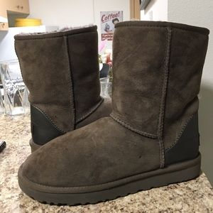 •LOW PRICE MAKE OFFER• $179 RETAIL LTD UGG BOOTS
